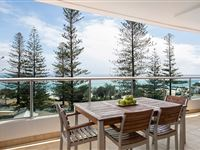 1 or 2 Bedroom Ocean View Apartment - Mantra The Observatory Port Macquarie