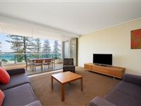 2 Bedroom Ocean View Apartment - Mantra The Observatory Port Macquarie